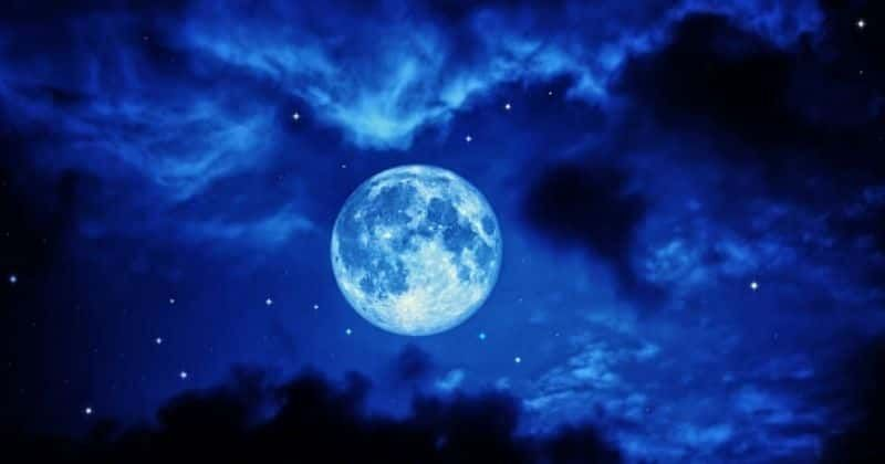 Rare Blue Moon To Light Up The Sky On October 31 Making Halloween Night Extra Spooky It S A Once In 19 Years Experience
